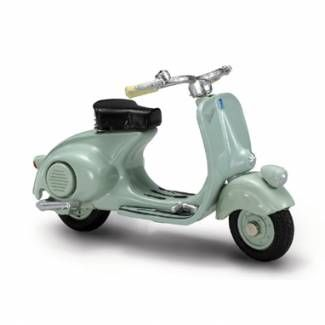 Vespa History 1946 Scooter Toy 1:32 Scale